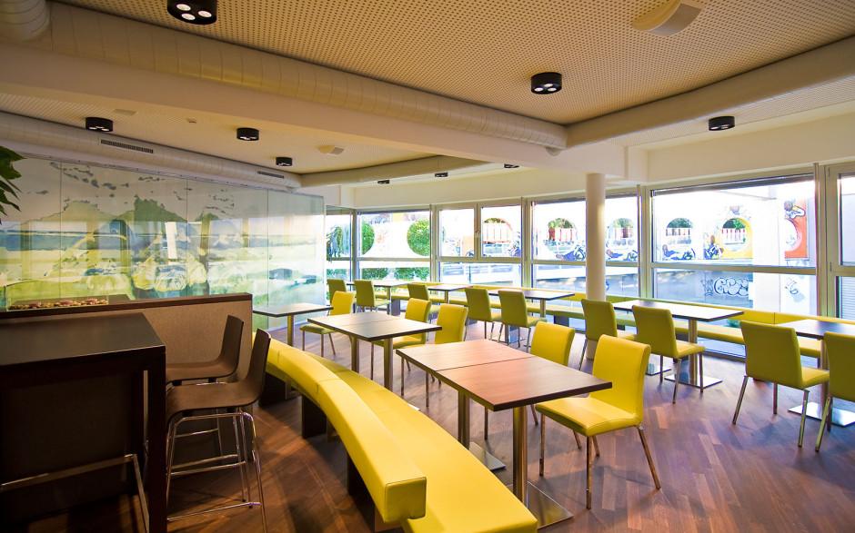 2009 Café Waagriss 08_090831_knoflach